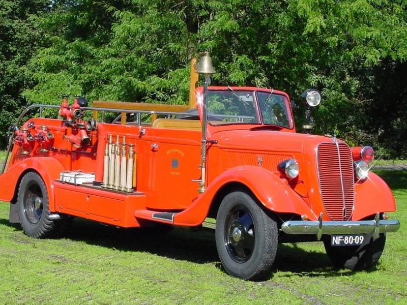 Merk: FordType: A V8 85PKType voertuig: manschappenauto Bouwjaar: 1937Standplaats: Asten