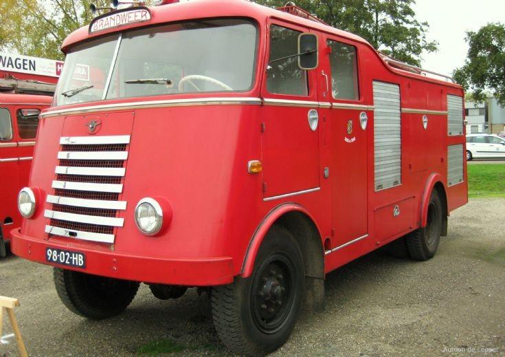 Merk: DAFType: A30 7-streperType voertuig: TankautospuitBouwjaar: 1954Standplaats: Beek en Donk