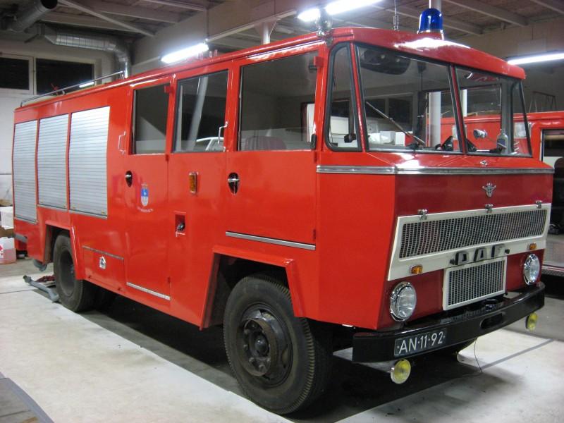 """Merk: DAFType: A1300 BA360  """"Blokkendoos""""Type voertuig: TankautospuitBouwjaar: 1969Standplaats: Ulft"""